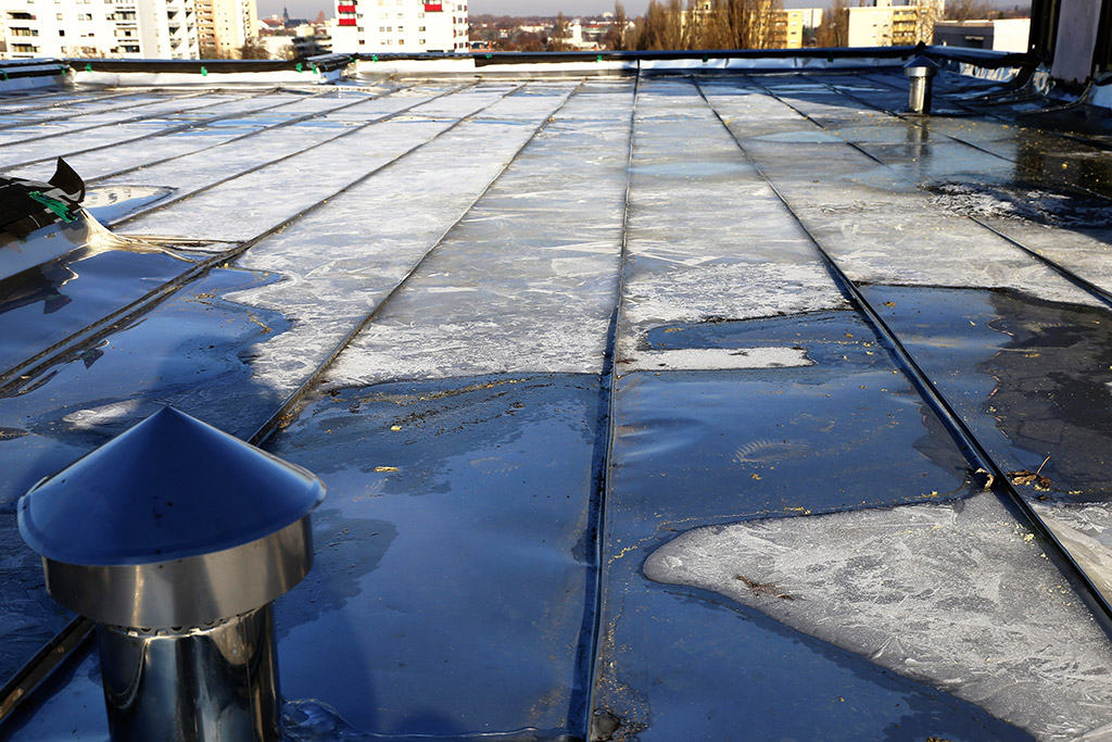 Commercial-Roofing-in-Fort-Worth,-TX--To-Repair-or-To-Replace-
