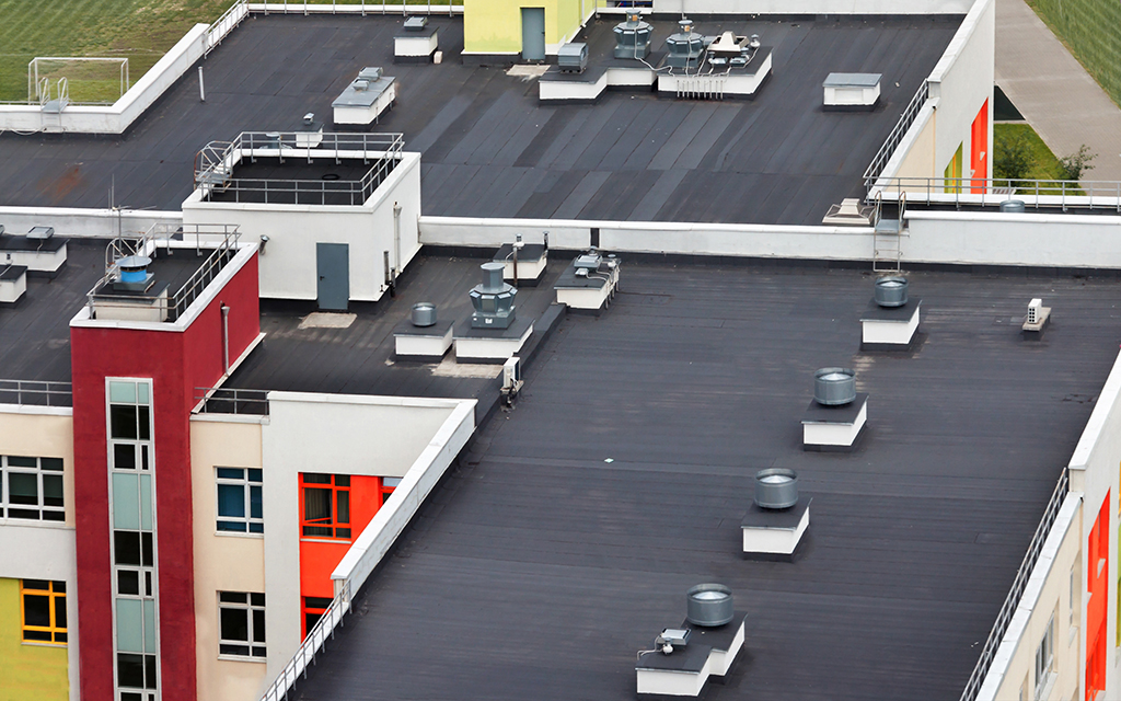 Commercial-Roofing--5-Benefits-Offered-By-Flat-Roofs-_-Dallas,-TX